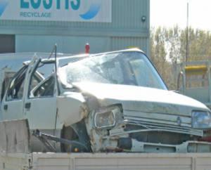 Destruction automobiles Poitiers
